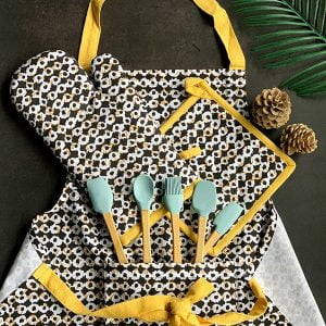 PRINTED APRON WITH MITTEN SET
